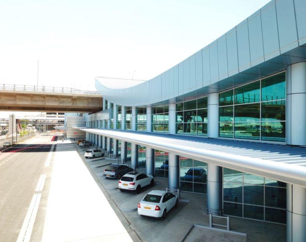 מרכז תחבורה לב המפרץ - תחנות